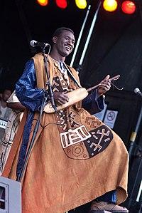 Bassekou Kouyate. Source: Wikipedia
