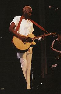 Geoffrey Oryema. Source: Wikipedia