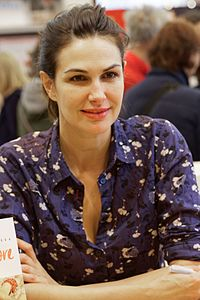 Helena Noguerra. Source: Wikipedia
