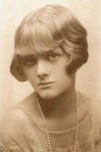 Daphne Du Maurier. Source: Wikipedia